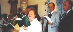 Dawn DeVries and choir on Easter, 2005
