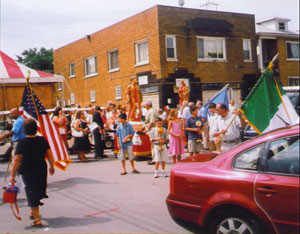 Beginning of the San Lorenzo procession, at the Amaseno Lodge