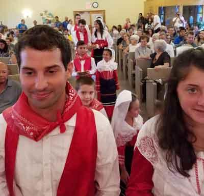San Lorenzo Mass: Procession of gifts